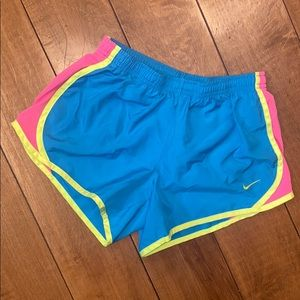 Nike shorts Girls (medium)